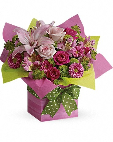 Teleflora's Pretty Pink Present Bouquet