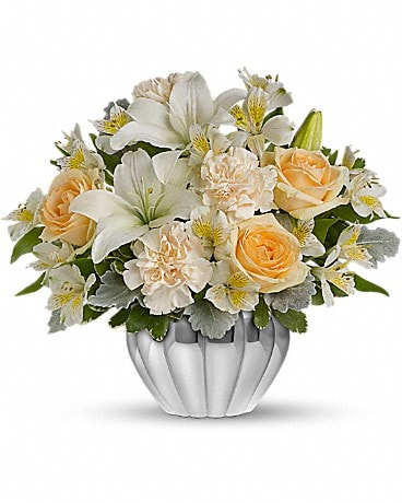 Teleflora's Kiss Me Softly Flower Arrangement