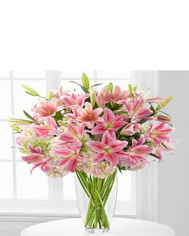 Intrigue Lily & Hydrangea Bouquet - 22 Stem