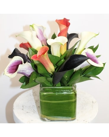 CALLA LILY VASE Flower Arrangement