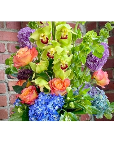 Signature Designer Mix Flower Arrangement