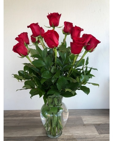 Classic Long-Stemmed Roses Flower Arrangement