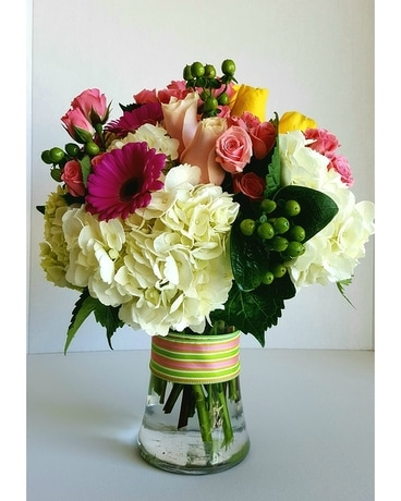 Midwood's Fashionista Bouquet Flower Arrangement