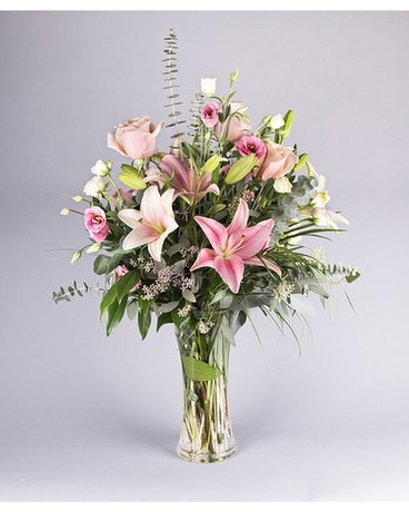 Lovely Lily Flower Arrangement