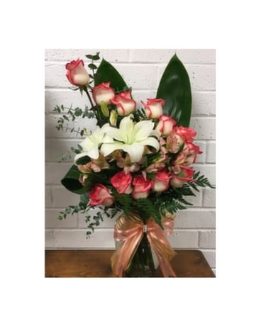 Great Splendor Bouquet Flower Arrangement