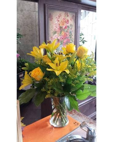 Yellowmee Yellow Flower Arrangement