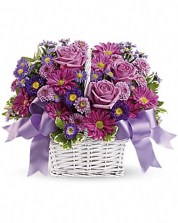 Daisy Daydreams Basket Arrangement