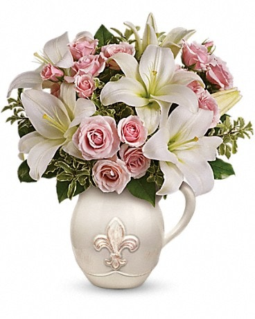 Teleflora's Fleur-de-Love Bouquet Flower Arrangement