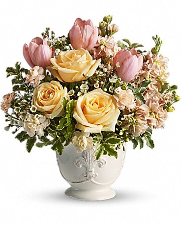 Teleflora's Peaches and Dreams - T145-3A Flower Arrangement