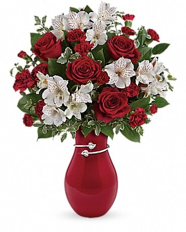 Teleflora's Pair Of Hearts Bouquet Bouquet