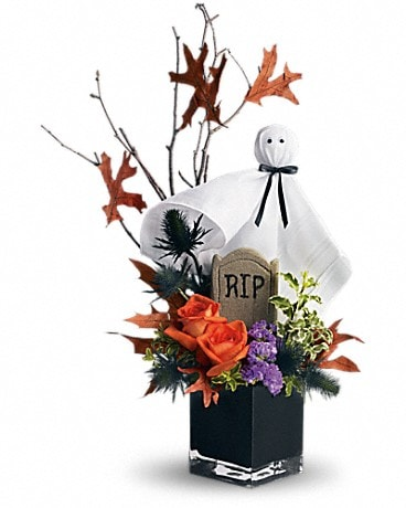Teleflora's Ghostly Gardens (T176-1A) Bouquet