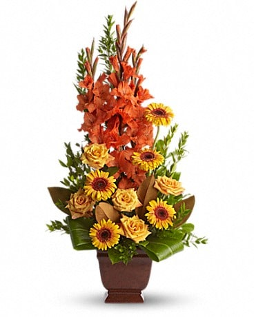 Teleflora's Sentimental Dreams Flower Arrangement