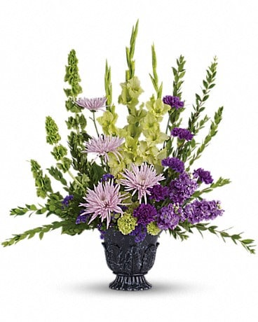 Teleflora's Cherished Memories (T268-1A) Flower Arrangement