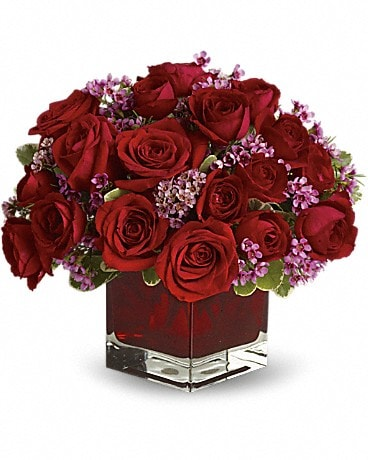 Never Let Go by Teleflora - 18 Red Roses #T65-1A Bouquet