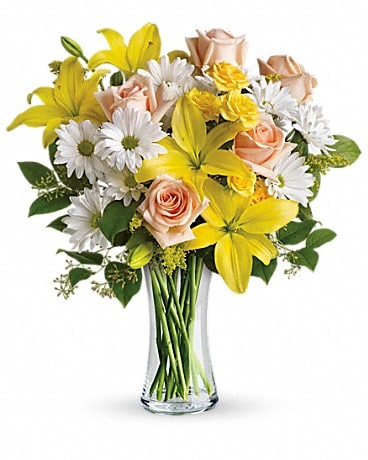 Teleflora's Daisies and Sunbeams Bouquet