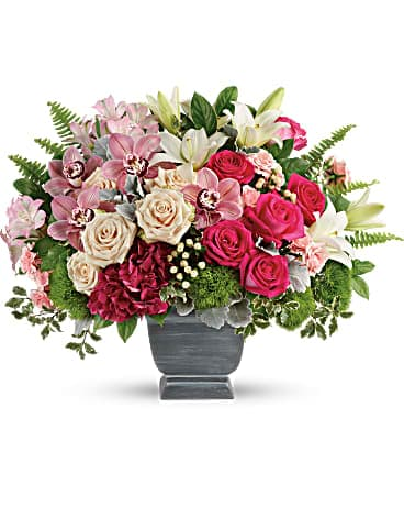 Teleflora's Grand Beauty Bouquet Bouquet