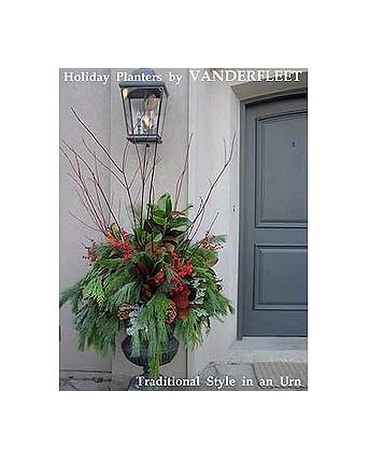 Traditional Holiday Planter
