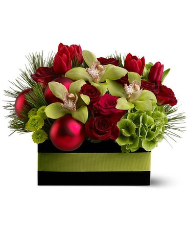 Vanderfleet's Holiday Chic Flower Design