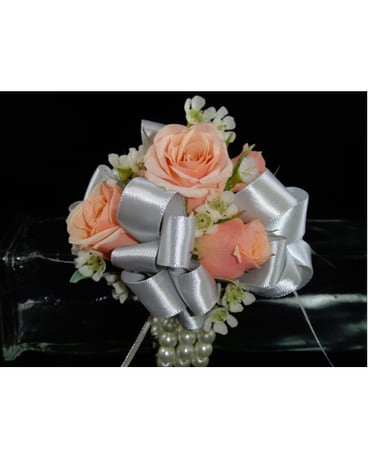 Light Pink Spray Rose Corsage