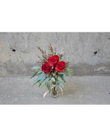Chi Omega Bud Vase In Ft Collins Co Palmer Flowers