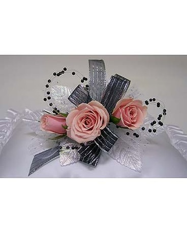 Three Sweet Heart Rose Corsage - Lt. Pink