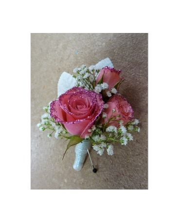Pinkberry Punch Boutonniere