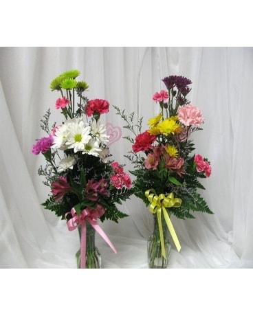 Mixed Bud Vase In Oskaloosa Ia Crouses House Of Flowers