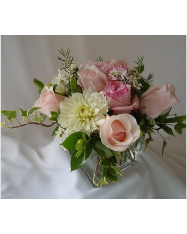 Our shop delivery saratoga springs ny dehns flowers greenhouses quick view petite pretty bouquet mightylinksfo