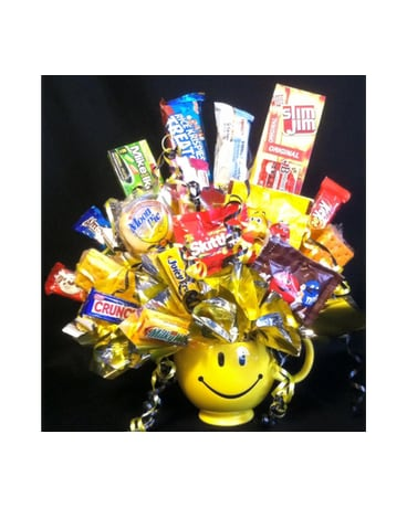 Smiling Face Mug & Snacks
