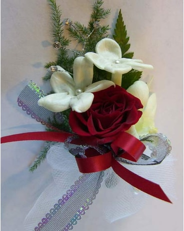 Boutonniere Elegance in Pleasanton CA - Tri Valley Flowers