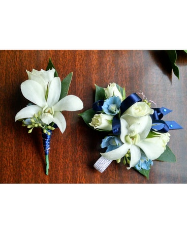 Boutonniere and corsage set