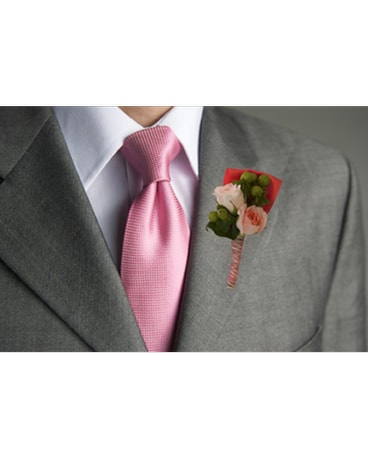 Peaches & Cream Boutonniere