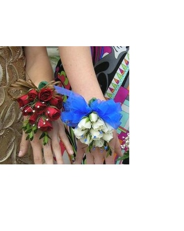 Mini Rose Wrist Corsage
