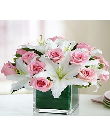 Flowers in a gift delivery round rock tx heart home flowers quick view modern embrace mightylinksfo