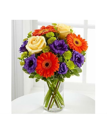 The FTD® Rays of Soloace™ Bouquet