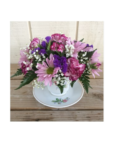 Pretty purple teacup in waverly ny jaynes flowers and gifts pretty purple teacup mightylinksfo