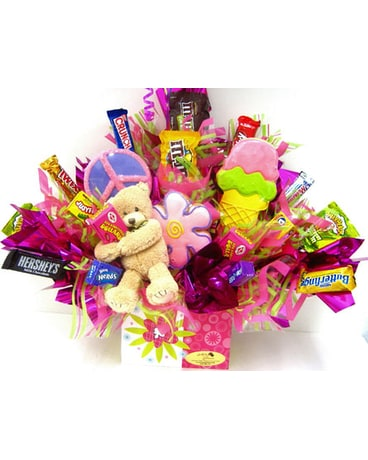 "CB290  ""Sweet Hugs"" Candy & Cookie Bouquet"