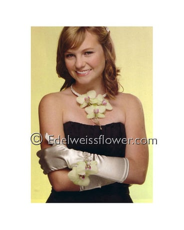 check out 035b5 4f03c Corsages & Body Flowers Delivery Santa Monica CA - Edelweiss ...