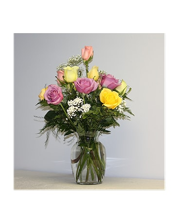 Dozen Short Stem Colored Roses