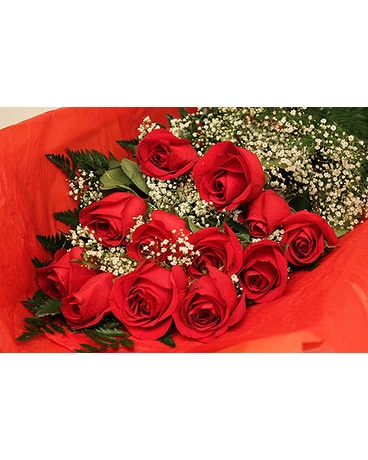 A Dozen Boxed Red Roses