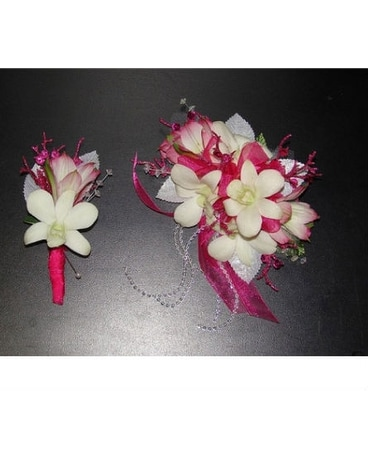 Pink panther corsageboutonniere in kingman az heavens scent florist pink panther corsageboutonniere mightylinksfo