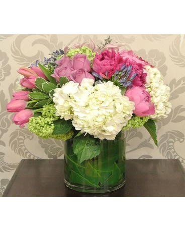 Vase Arrangement Designer's Choice - Modern