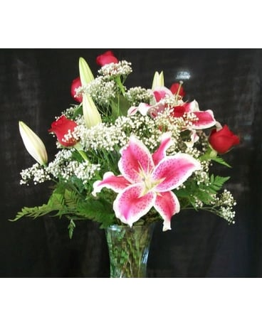 Stargazer Lily and 6 Red Rose Arrangement