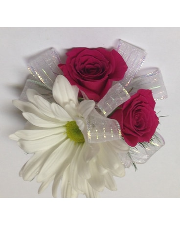 Daisy & Hot Pink Spray Rose child's wrist corsage