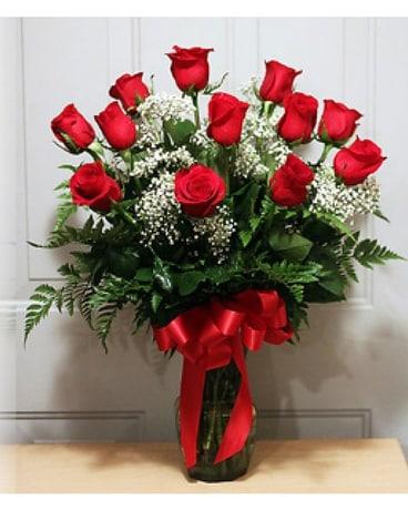 Dozen Red Roses In Largo Fl Rose Garden Florist