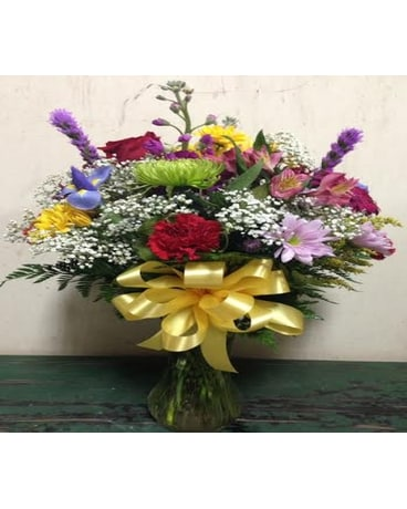 Dana's Bright & Cheerful Arrangement