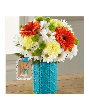 The FTDR Happy Day BirthdayTM Bouquet By Hallmark