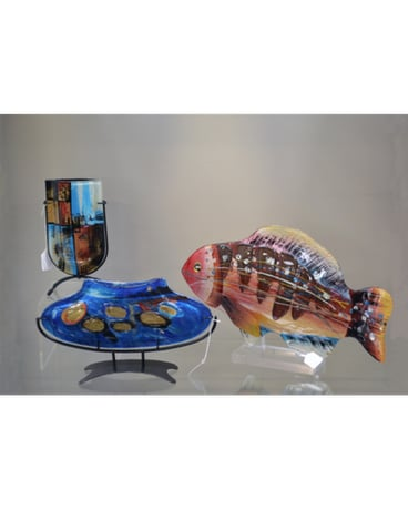Decorative glass vases and fish