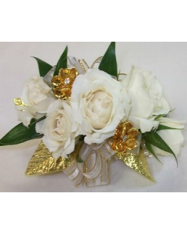 White And Gold In Farmington Ct Haworths Flowers Gifts Llc