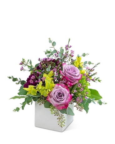 Bel Air Babe Flower Arrangement